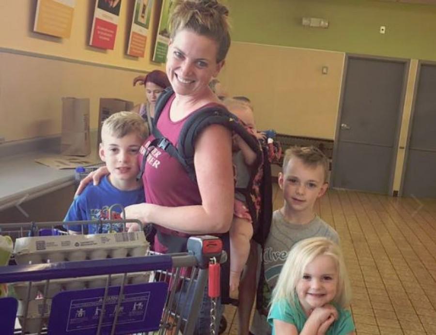 25.000 ember osztotta már meg az anyuka történetét, aki a 4 gyerekével vásárolt, és leszólította egy idegen...